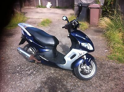 Peugeot Sum Up Breaking For Spares Price Is For Both Side Panels Around Seat