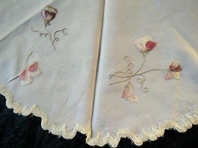 """Antique c1900 ~SOCIETY SILK ~Sweet-Peas? ~ Hand-Embroidered Linen Centre/mat~21"""""""
