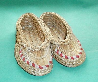 children´s/girl´s straw shoes, hand-woven/Vintage/1950s