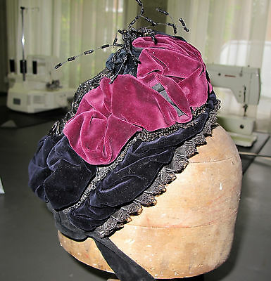Genuine vintage ladies late Victorian hat with long ribbons