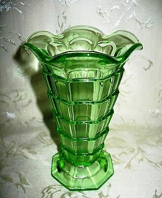 "Indiana Glass Co. Depression Era Green Vase in the ""Tea Room"" Pattern 1926-1931"