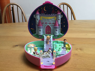 Polly Pocket - Pink Heart, Light-up Starlight Castle - Vintage Collectable