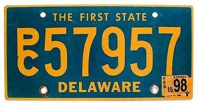 """Delaware 1998 """"The First State"""" Station Wagon SUV License Plate, PC 57957"""