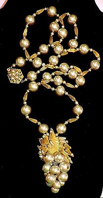 2265~Vntg Signed MIRIAM HASKELL Goldtone White Gray Faux Pearl Grapes Necklace**