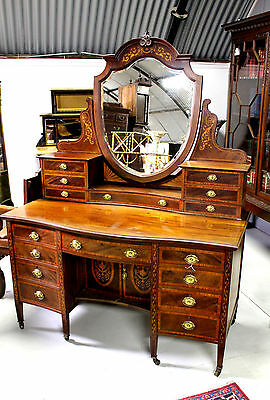 A Beautiful 19Th Century Mahogany And Inlaid Dressing Table