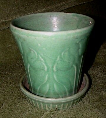 Early McCoy Matte Green Planter with Tulip Floral Design USA  Mark