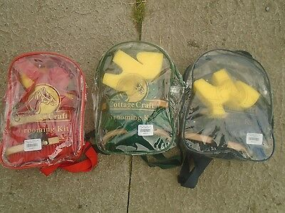 GROOMING KIT PONY COTTAGE CRAFT 7 ITEMS IN RUCK SACK  new NAVY,GREEN,RED