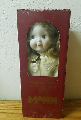 "11"" Googlie Girl Doll By Mann - Reproduction -"