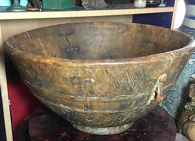 Antique 19th Century Or Earlier Large Wood Bowl  African Or Native American