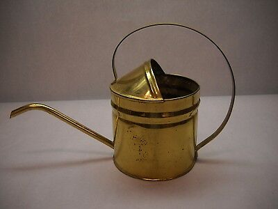 VINTAGE Brass WATERING Can PLAIN Design Curved SPOUT rounded Handle PATINA