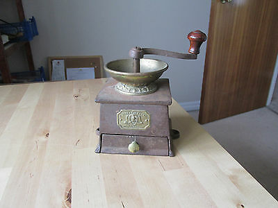 E. Siddaway & Sons antique coffee grinder