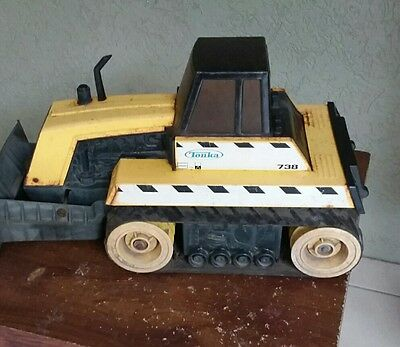 OLD VINTAGE TONKA BULLDOZER AND TRAILER - AS IS ORIGINAL  - SCARCE 1960s or 70s