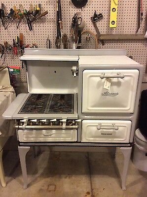 Antique 'Alcazar' Gas Range.