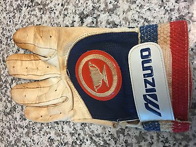 PETE ROSE Game Used Worn Batting Glove Autographed Reds Expos Phillies Hit King