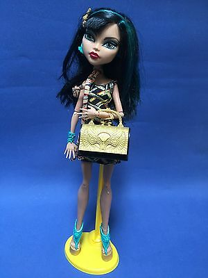 Monster High Cleo De Nile  Doll & Display Stand