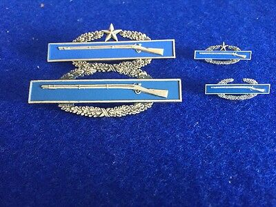 Original Ww2 American Shooting Badges With Miniatures