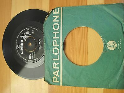 """She Loves You THE BEATLES  7"""" Single PARLOPHONE Label"""