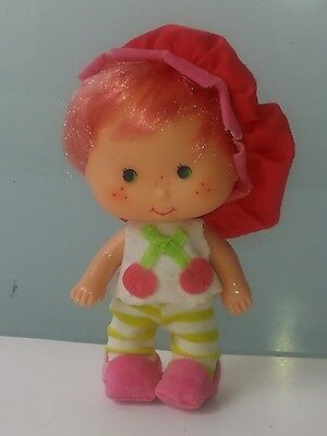 Emily Erdbeer CHERRY CUDDLER 1979 American Greetings Strawberry Shortcake VTG