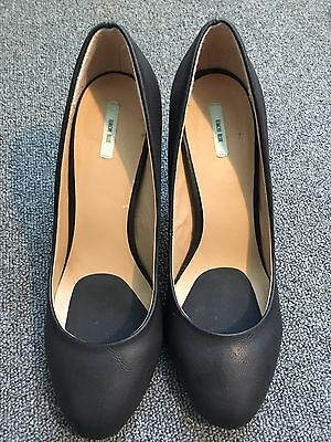 Women's Black Matte Leather heel with gold-tipped heel, by Kimchi Blue, Size 9