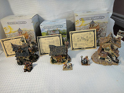 Boyds Bears Bearly Built Villages Clinic, Book Shop, & Bakery Lot of 3 Buildings