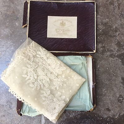 antique textile early 19th c Honiton lace stole boxed