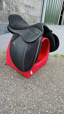 """Thorowgood Griffin Synthetic AP Saddle 17"""" Med/Wide"""