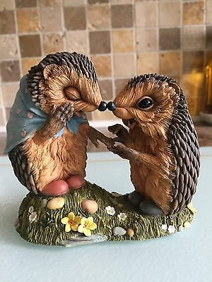 """Collectable Hedgies Hedgehogs """"Made A Promise"""" 91139 Ornament - 100% CHARITY"""