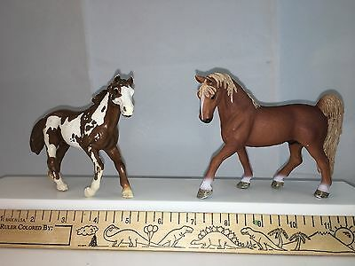 SCHLEICH HORSES - Lot 2 - 2006 Pinto & 2007 Tennessee Walker - Stallions - EUC