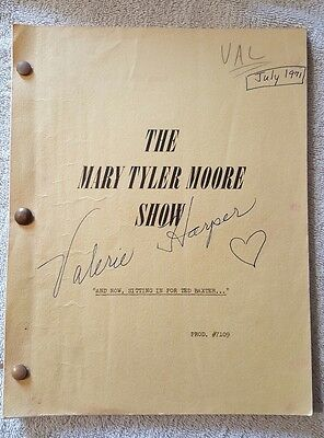 1971 Mary Tyler Moore Show Signed Script And Now Sitting In For Ted Baxter VTG