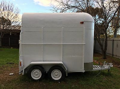 Registered Kentucky Horse Float, Double With Extended Roof