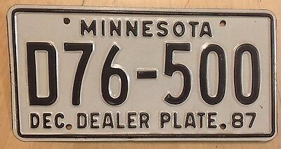 """1987 Minnesota Auto Dealer License Plate """" D76 500 """" Mn  87 New Used Car Dlr"""