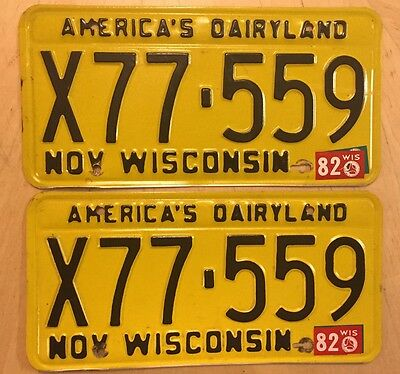 """Wisconsin 1982 Auto License Plate Plates  Matching Pair  """" X77 559 """"  Wi 82"""
