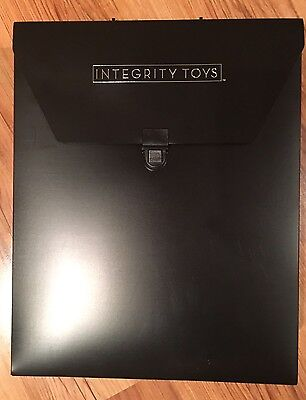 Fashion Royalty Puppenkoffer Carrycase Integrity Toys New 3 Dolls