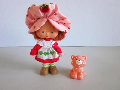 """Vintage American Greetings STRAWBERRY SHORTCAKE DOLL with Clothes & Pet 5"""" Tall"""
