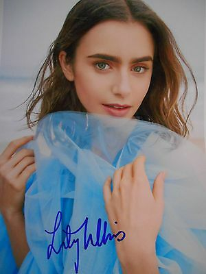 Lily Collins  8x10 auto photo in Excellent Condition