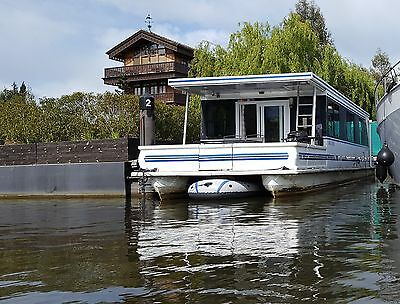US Built Cruising Houseboat on Thames in Hampton Court