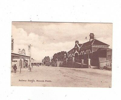 Australia VICTORIA Postcards, RAILWAY STATION MOONEE PONDS Vic