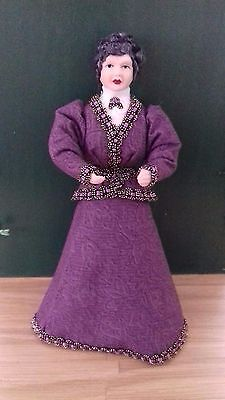 1/12th scale Edwardian mature woman doll