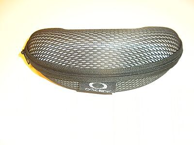 AUTHENTIC OAKLEY SUNGLASS ZIPPERED SUNGLASSES CASE BLACK / GRAY mesh