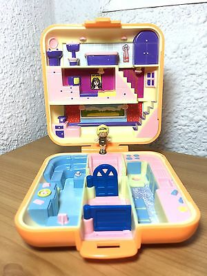 Polly Pocket - Polly's Town House - 1989 Bluebir