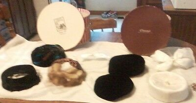 Lot of 6 vintage ladies hats, with 2 vintage hat boxes, 2 interchangable nets
