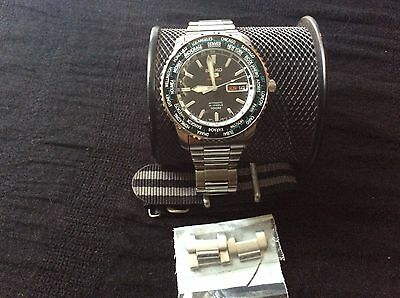 Seiko Men's SRP127 Stainless Steel Analog with Black Dial Watch