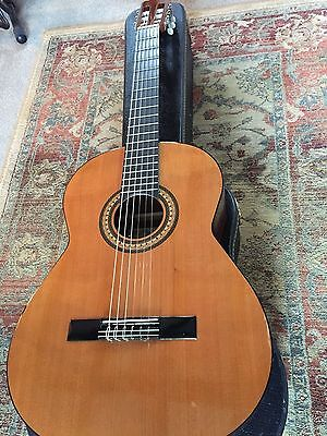 spanish classical guitar Lucida Artista LG-715 with quality vintage case