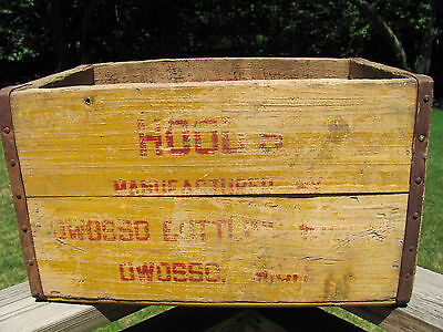HOODS Owosso Bottling Works Wooden Crate