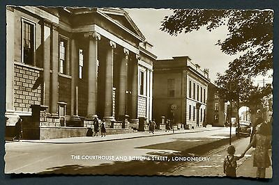 Co. LONDONDERRY - COURTHOUSE & BISHOPS ST RP PCARD - PUBLISHER VALENTINES 1940s