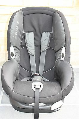 Maxi Cosi black toddler car seat
