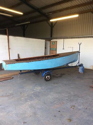 sailing dinghy with road trailer in need of tlc
