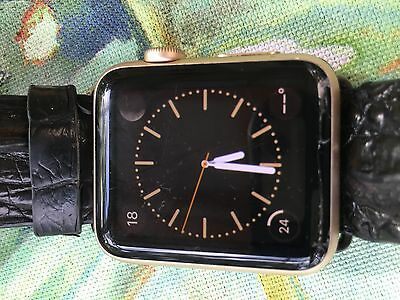 NO RESERVE Apple Watch Series 1 42mm Aluminum Works great crack in screen