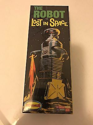 Moebius Model 418 Lost In Space THE ROBOT