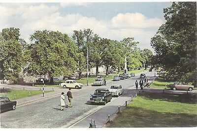 SUPERB OLD POSTCARD - THE SQUARE GRANTOWN ON SPEY MORAYSHIRE C.1969 Vintage Cars